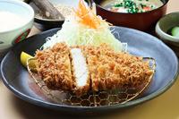 霜ふり旨豚ロースかつ定食(中)